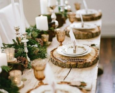 What is Hot on Pinterest: Thanksgiving Table Décor!