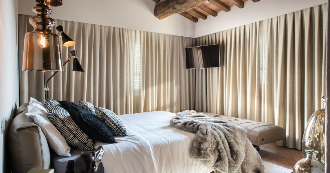 Arezzo Private Rustic House Italy Tuscan countryside building with a vibrant new interior that surprises and pleases. Emanuele Svetti  Arezzo Private Rustic House Delightfull Arezzo Private Rustic House 4a9c9b94edaecdb9b88b594009d8262bc