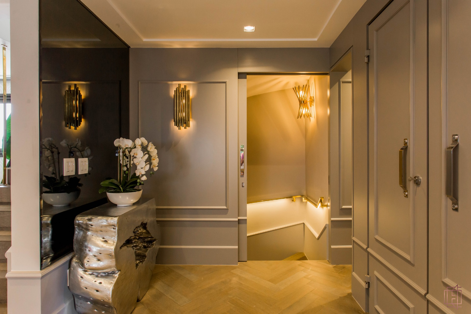 electrix design European Classic Meets Art Décor: CHECK OUT ⬇️ This Luxurious Penthouse in Brazil By Electrix Design! 2 14