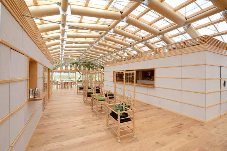 Eco-Friendly Design 🌳 Get To Know This Amazing Paper Green House in Japan, By Shigeru Ban! shigeru ban Eco-Friendly Design 🌳 Get To Know This Amazing Paper Green House in Japan, By Shigeru Ban! 3 4