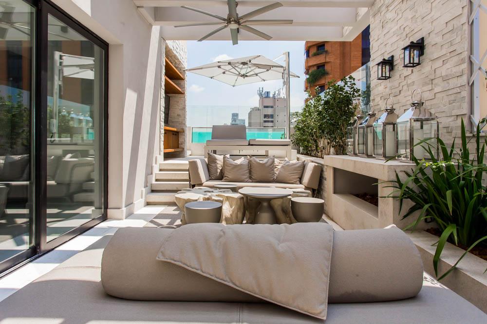 European Classic Meets Art Décor: CHECK OUT ⬇️ This Luxurious Penthouse in Brazil By Electrix Design! electrix design European Classic Meets Art Décor: CHECK OUT ⬇️ This Luxurious Penthouse in Brazil By Electrix Design! OutsideElectrix