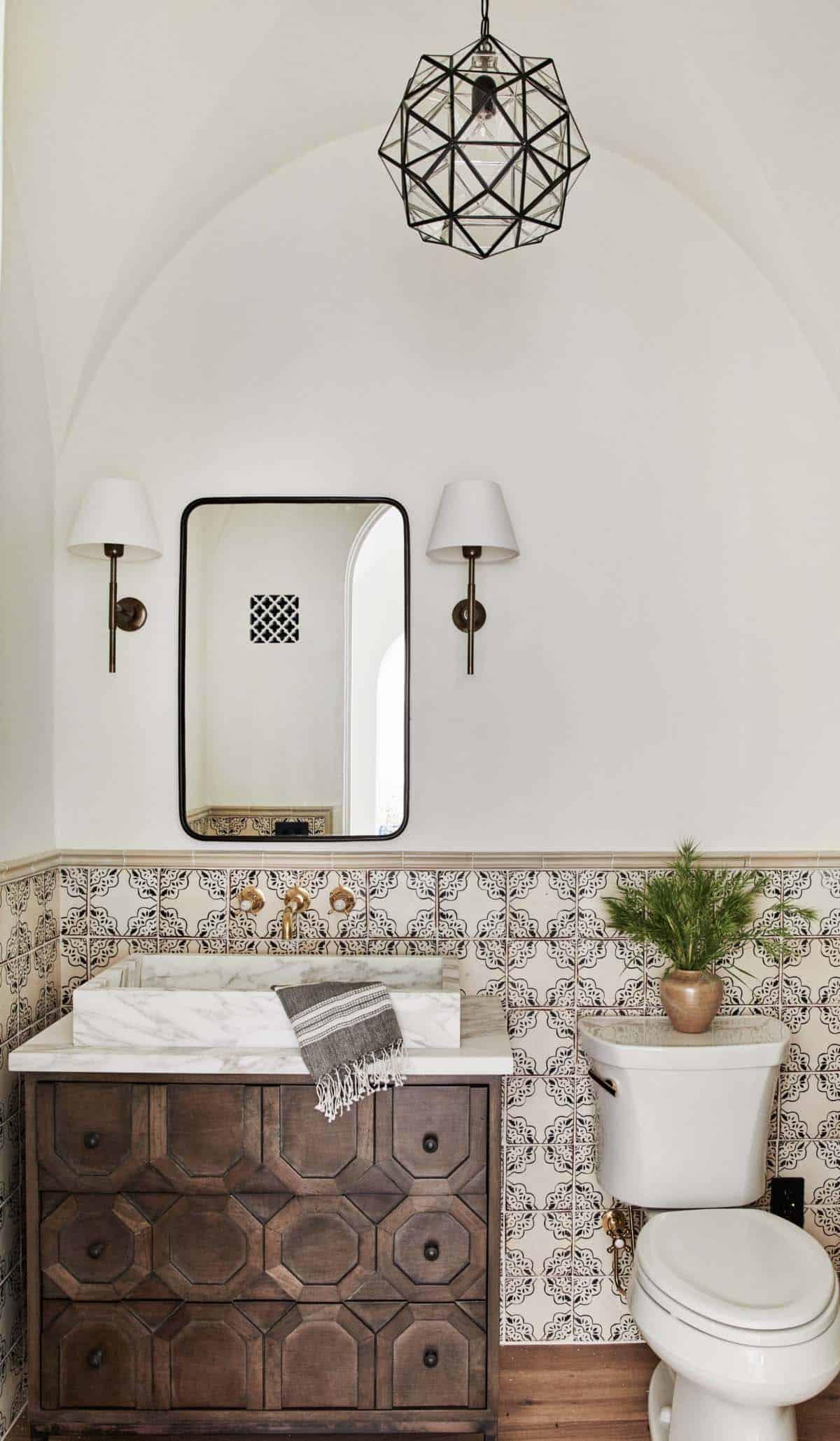 🛀 These Stunning Spanish Bathroom Décor Ideas Are Our Dream Relax Spot!  spanish bathroom décor ideas 🛀 These Stunning Spanish Bathroom Décor Ideas Are Our Dream Relax Spot! 16 2