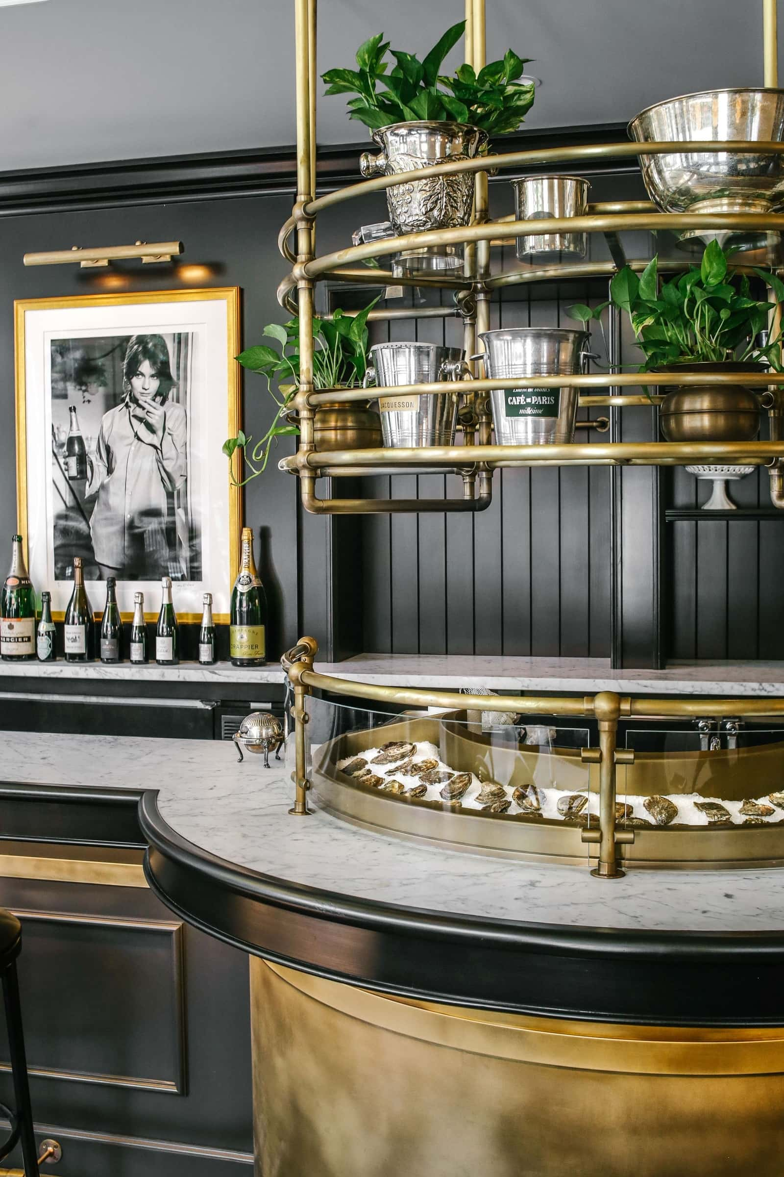This All-Black Champagne & Oyster Bar in NYC Will Make Us Want To Toast Before New Year's Eve! oyster bar This All-Black Champagne & Oyster Bar in NYC Will Make Us Want To Toast Before New Year's Eve! 6