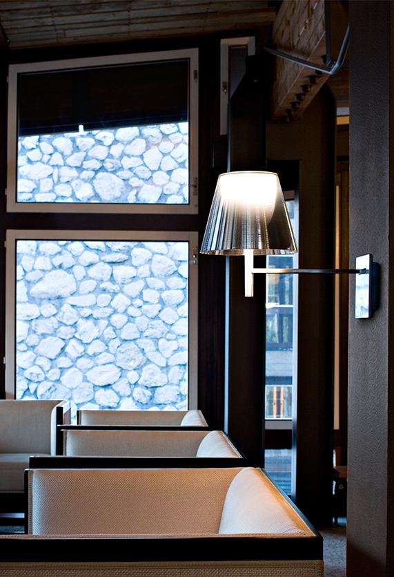 These Modern Wall Lamps Will Illuminate Your Space in Style wall lamps These Modern Wall Lamps Will Illuminate Your Space in Style 14 1