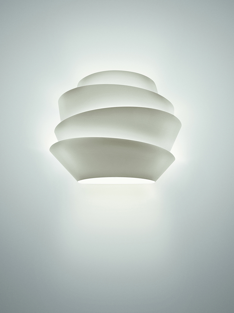 These Modern Wall Lamps Will Illuminate Your Space in Style wall lamps These Modern Wall Lamps Will Illuminate Your Space in Style 18 1