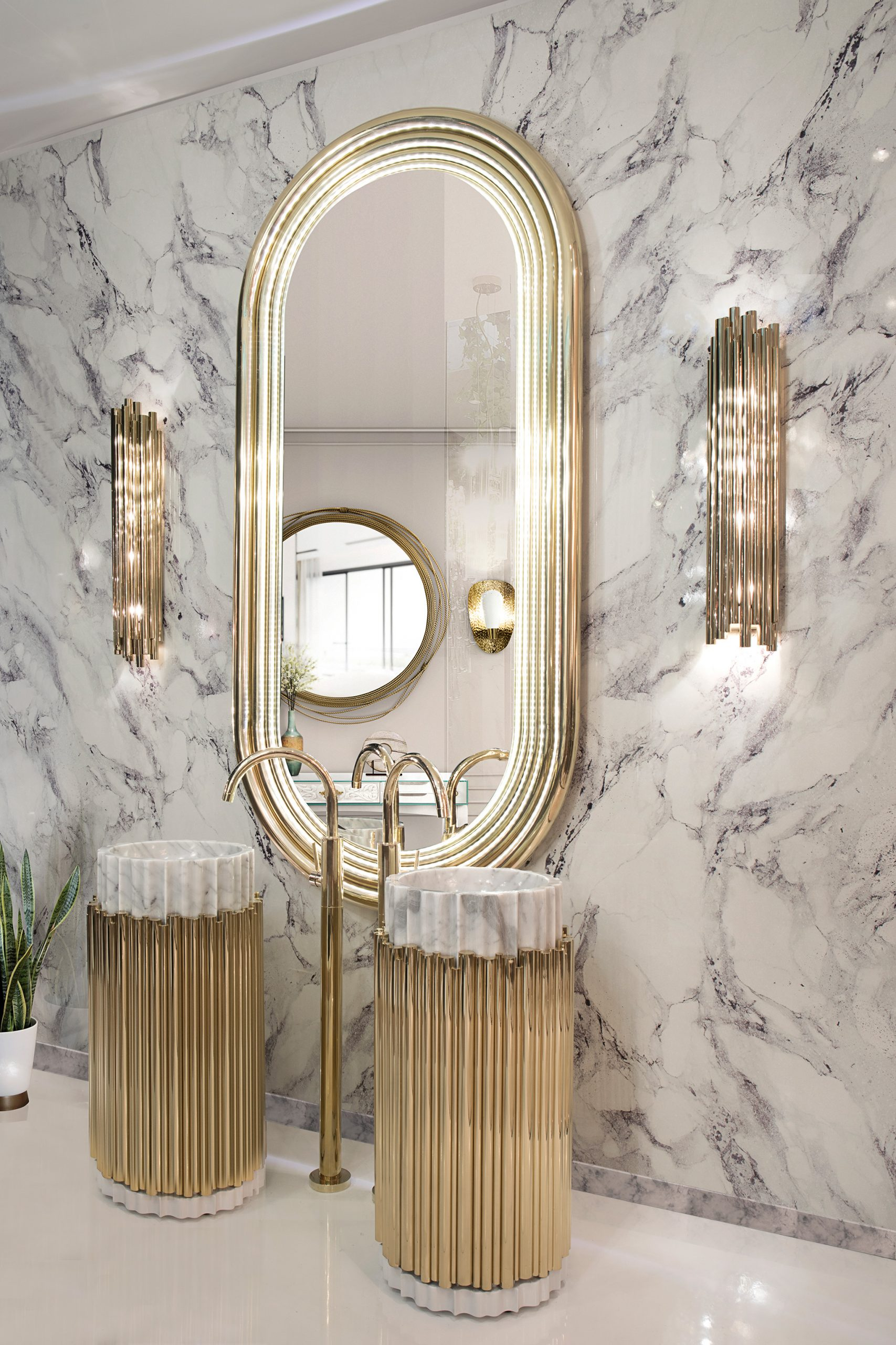 How These Lighting Pieces Added Warmth to a Cold, Unwelcoming Bathroom lighting How These Lighting Pieces Added Warmth to a Cold, Unwelcoming Bathroom 7 1 scaled
