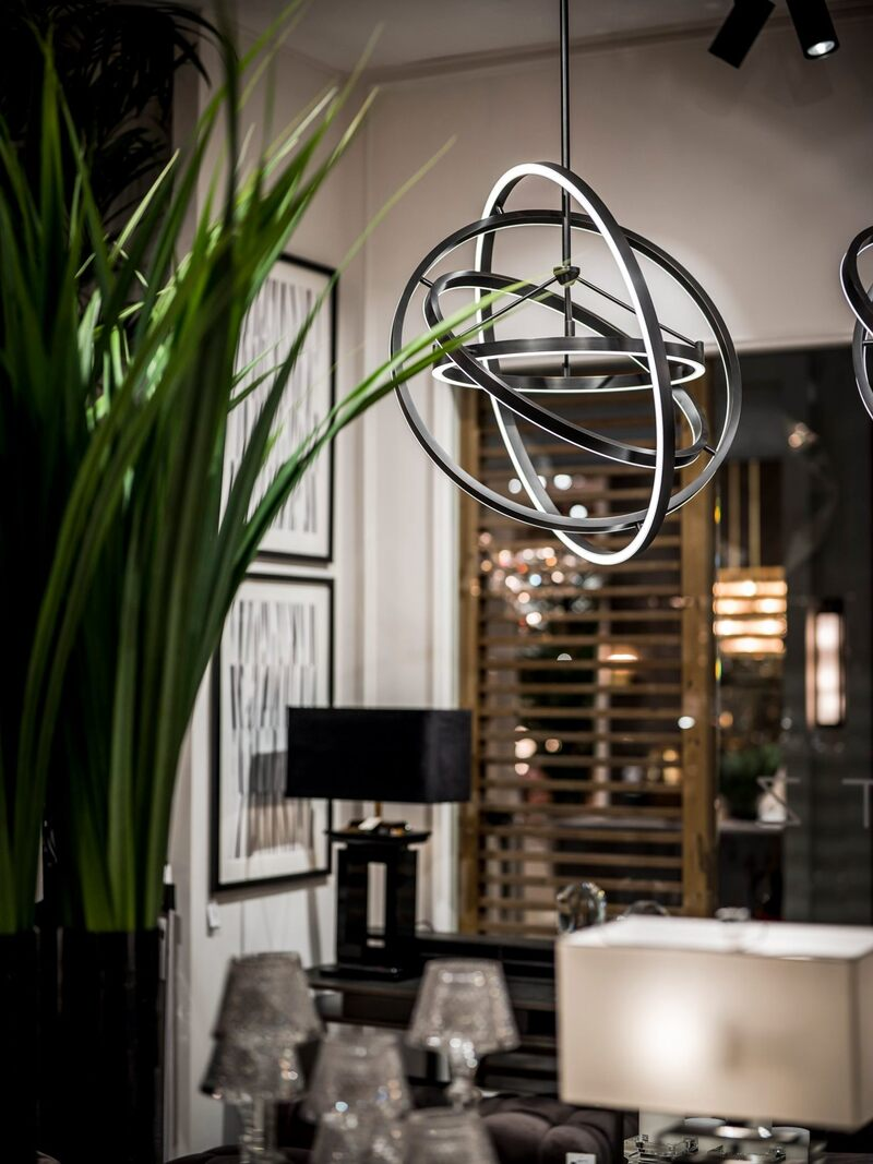 Suspension Light Fixtures That'll Elevate All Your Dinner Parties suspension light Suspension Light Fixtures That'll Elevate All Your Dinner Parties 2 3