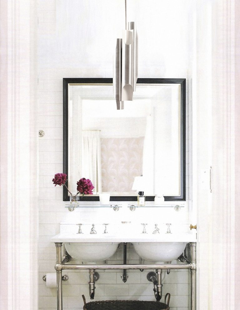 How These Lighting Pieces Added Warmth to a Cold, Unwelcoming Bathroom lighting pieces How These Lighting Pieces Added Warmth to a Cold, Unwelcoming Bathroom 5 8